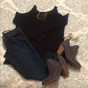 💕 3/$20 RDI COLD SHOULDER SWEATER TOP shelf SMALL